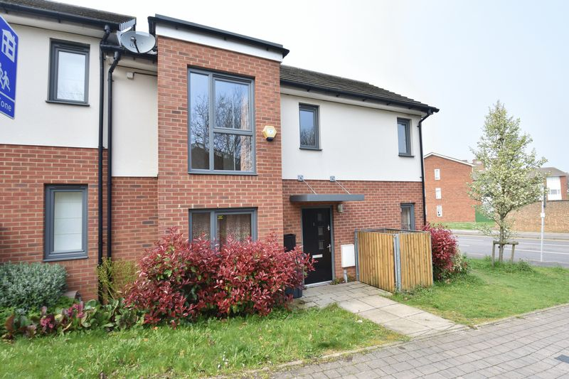 3 bedroom End Terrace to rent in Someries Hill, Luton - Photo 13