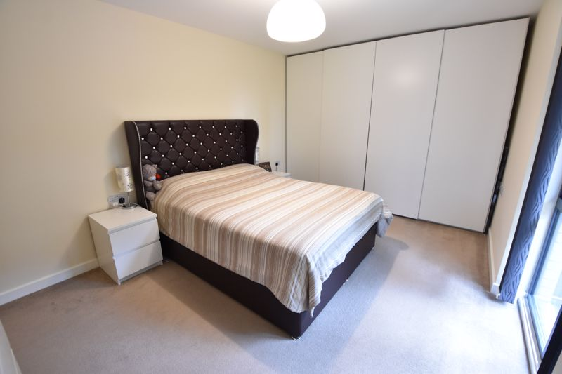 2 bedroom Flat to rent in Jonathan Henry Place, Luton - Photo 4