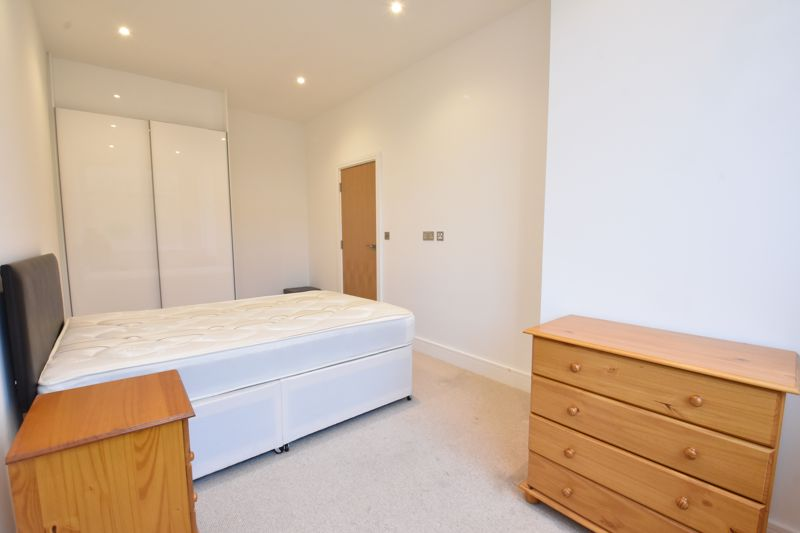 1 bedroom Apartment / Studio to buy in Flowers Way, Luton - Photo 8