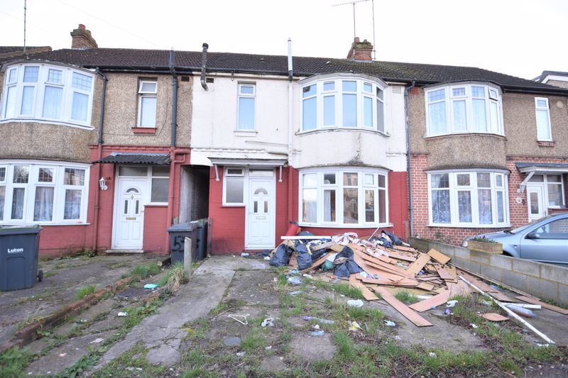 3 bedroom  to buy in Alder Crescent, Luton