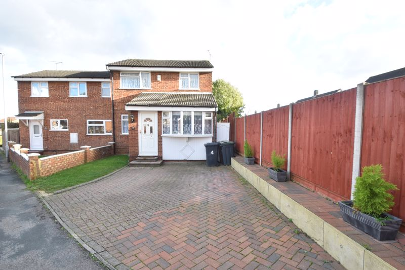 3 bedroom Semi-Detached  to buy in Dunsmore Road, Luton