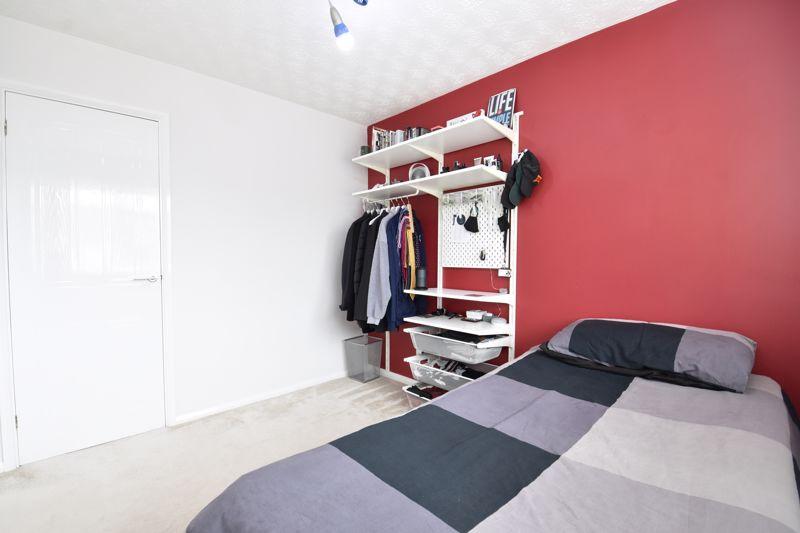 3 bedroom Detached  to buy in Chalkdown, Luton - Photo 2