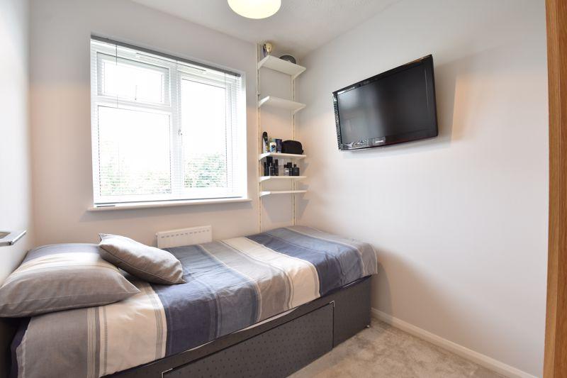 3 bedroom Detached  to buy in Chalkdown, Luton - Photo 9