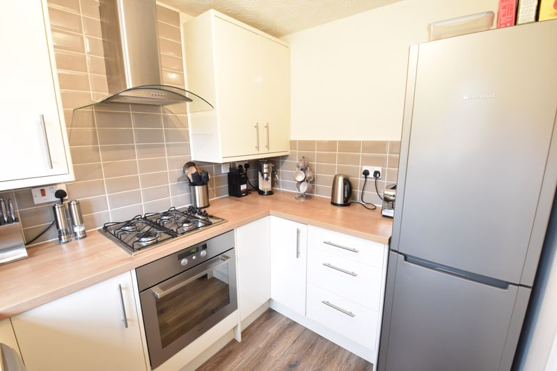 3 bedroom Detached  to buy in Chalkdown, Luton - Photo 11