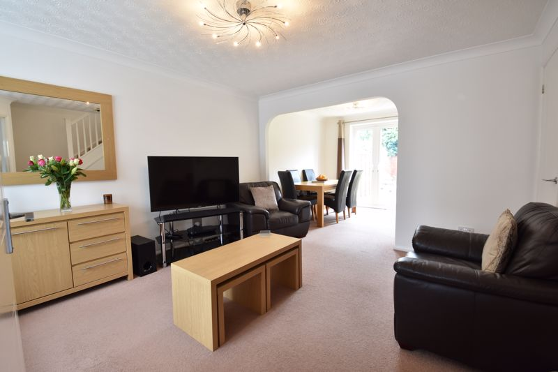 3 bedroom Detached  to buy in Chalkdown, Luton - Photo 15