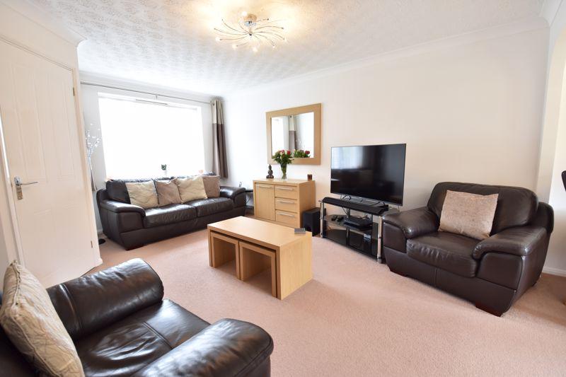 3 bedroom Detached  to buy in Chalkdown, Luton - Photo 16