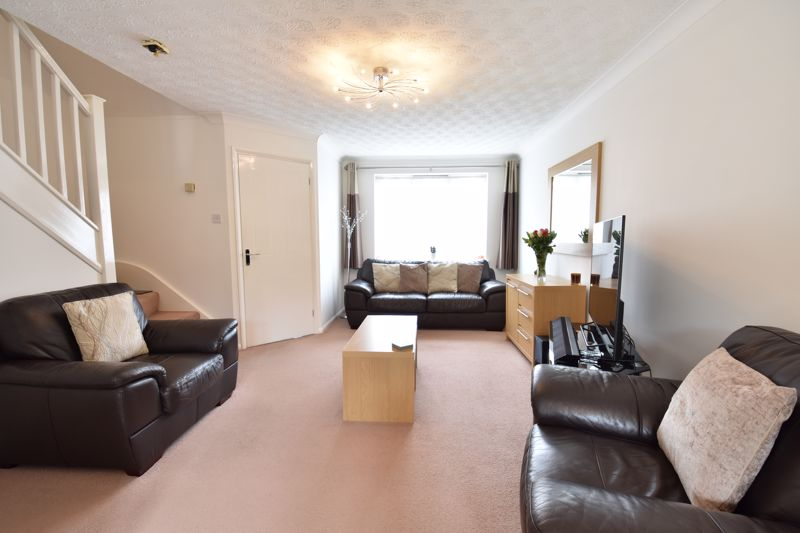 3 bedroom Detached  to buy in Chalkdown, Luton - Photo 17