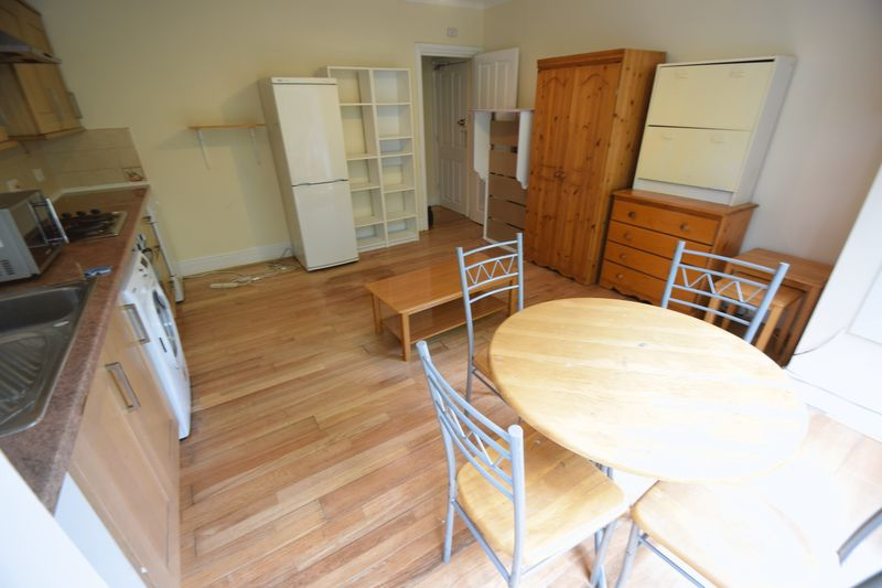 1 bedroom Flat to rent in 137 - 139 New Bedford Road, Luton - Photo 9