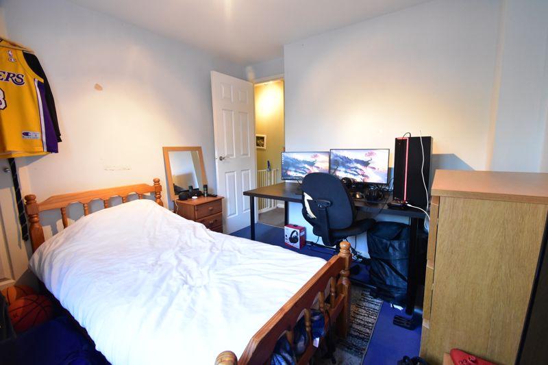 2 bedroom Mid Terrace to buy in Cemetery Road, Dunstable - Photo 9