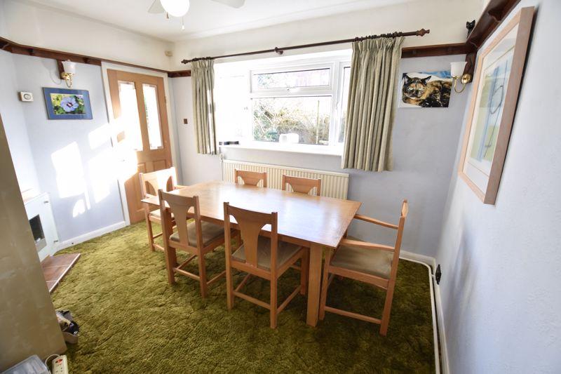 4 bedroom  to buy in Dunstable Road, Caddington - Photo 10