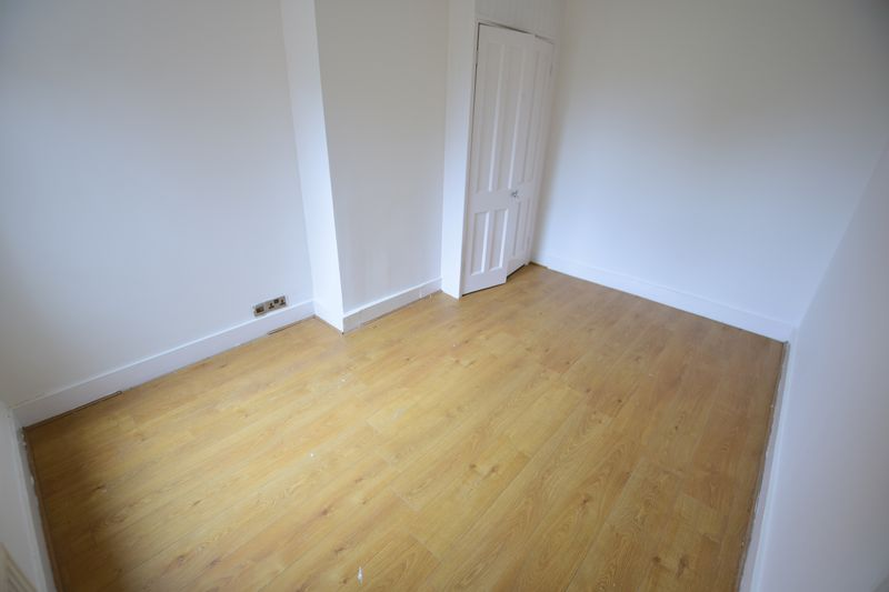 3 bedroom End Terrace to buy in Tennyson Road, Luton - Photo 7