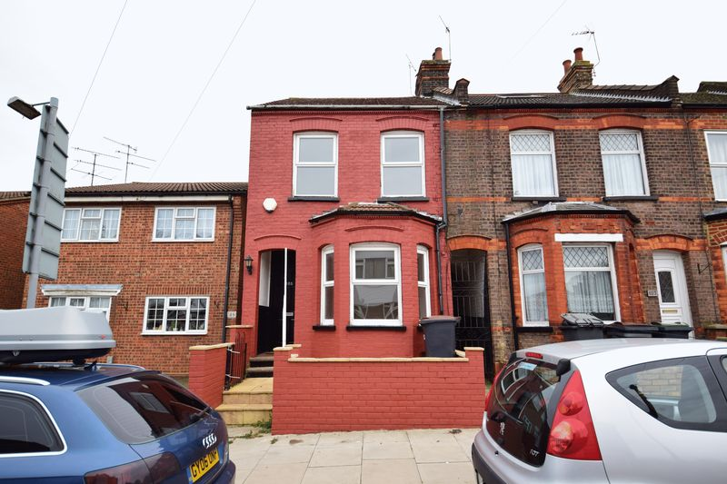 3 bedroom End Terrace to buy in Tennyson Road, Luton - Photo 1