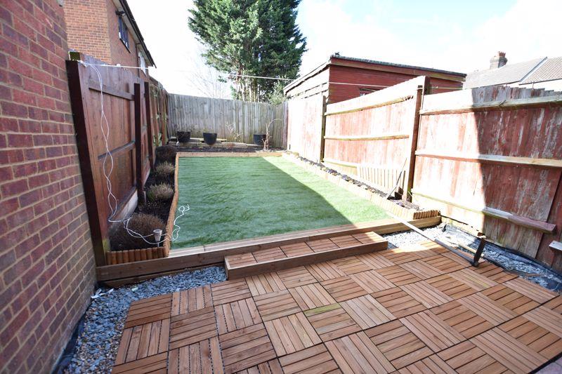 4 bedroom  to buy in Biscot Road, Luton - Photo 1