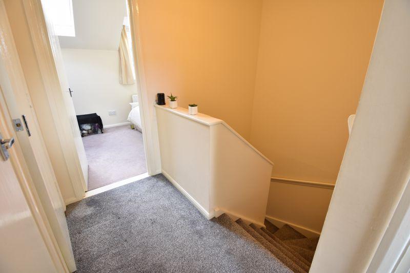 4 bedroom  to buy in Biscot Road, Luton - Photo 8
