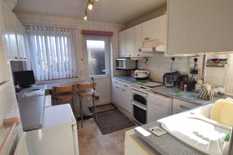 3 bedroom Semi-Detached  to buy in Birdsfoot Lane, Luton - Photo 1