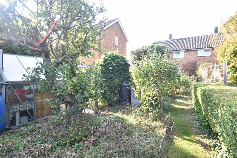 3 bedroom Semi-Detached  to buy in Birdsfoot Lane, Luton - Photo 10