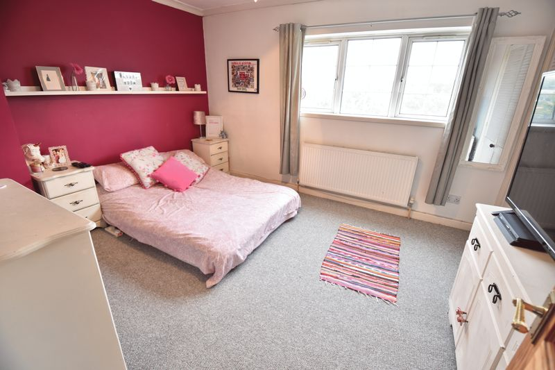 4 bedroom End Terrace to buy in Luton Road, Luton - Photo 18