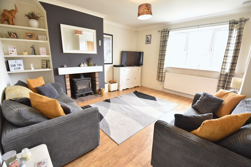 4 bedroom End Terrace to buy in Luton Road, Luton - Photo 2