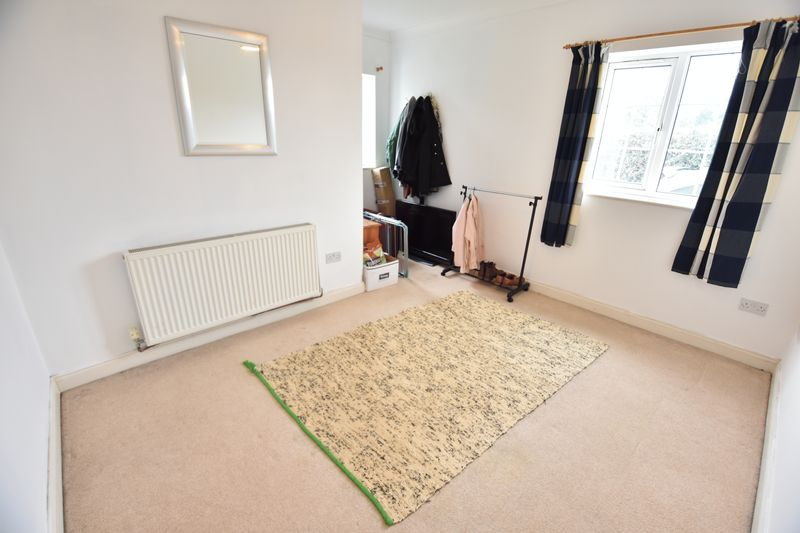 4 bedroom End Terrace to buy in Luton Road, Luton - Photo 3