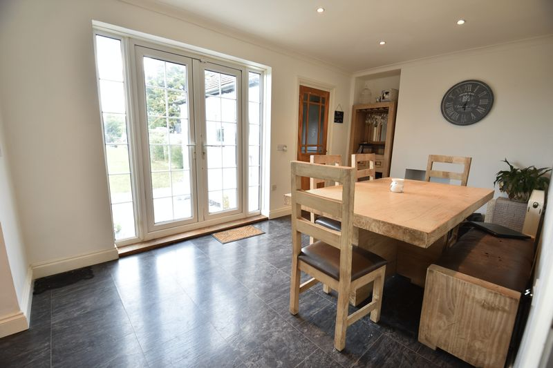 4 bedroom End Terrace to buy in Luton Road, Luton - Photo 7