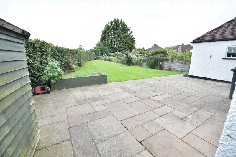 4 bedroom End Terrace to buy in Luton Road, Luton - Photo 8