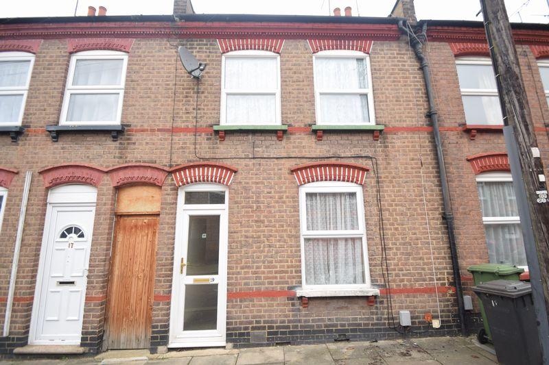 2 bedroom  to buy in Baker Street, Luton