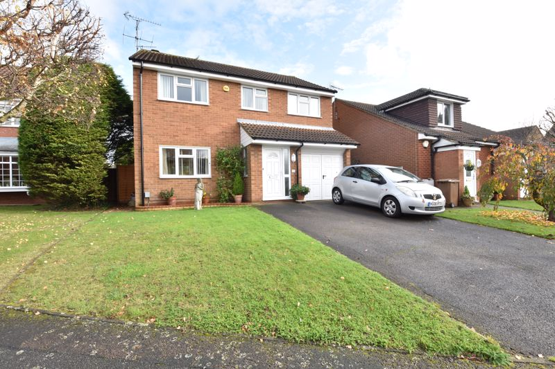 4 bedroom Detached  to buy in Blakeney Drive, Luton