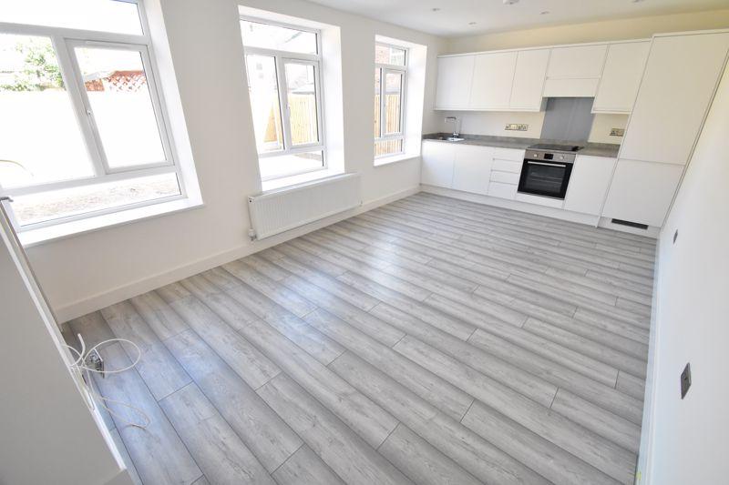 1 bedroom Maisonette to buy in Kingham Way, Luton - Photo 1