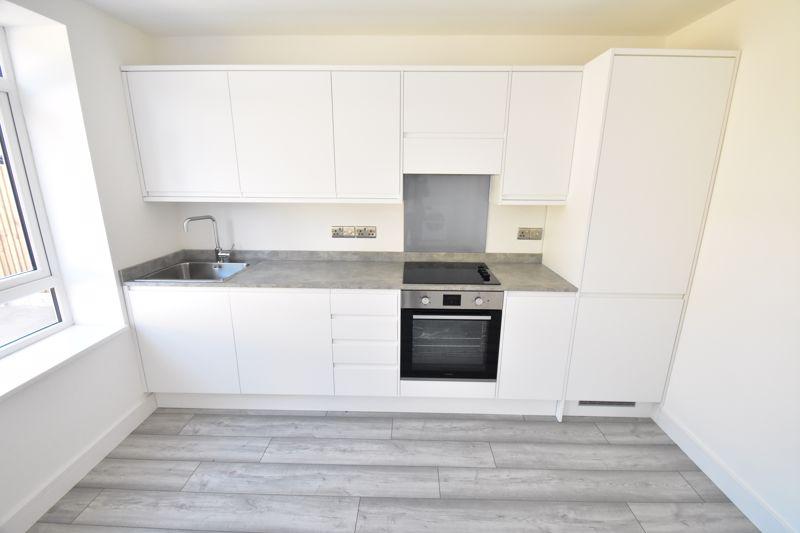 1 bedroom Maisonette to buy in Kingham Way, Luton - Photo 2