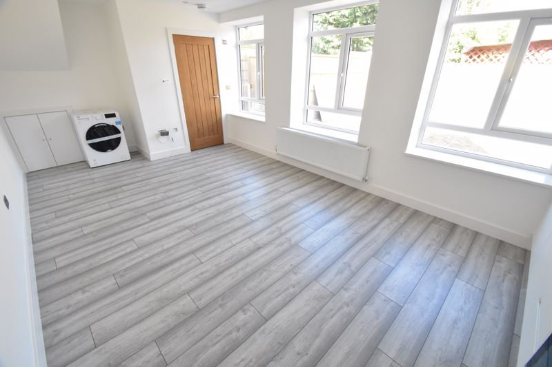 1 bedroom Maisonette to buy in Kingham Way, Luton - Photo 3