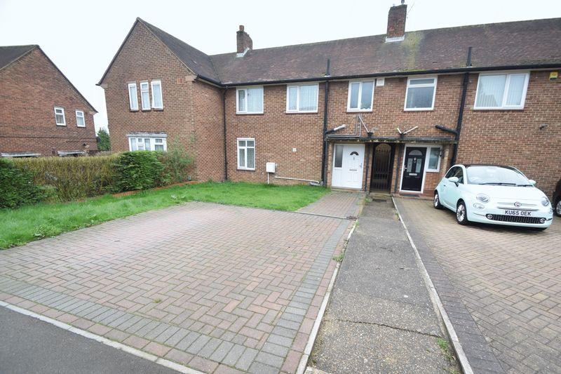 3 bedroom Mid Terrace to buy in Taunton Avenue, Luton