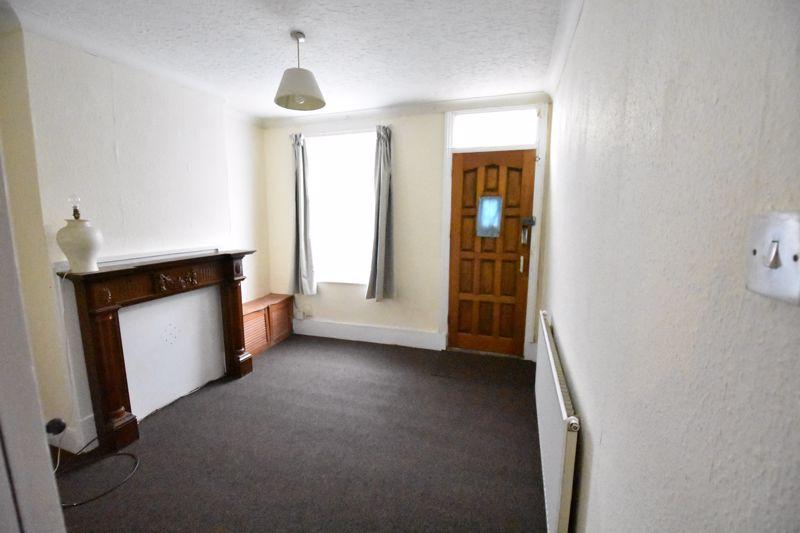 2 bedroom Mid Terrace to rent in Ashton Road, Luton - Photo 13