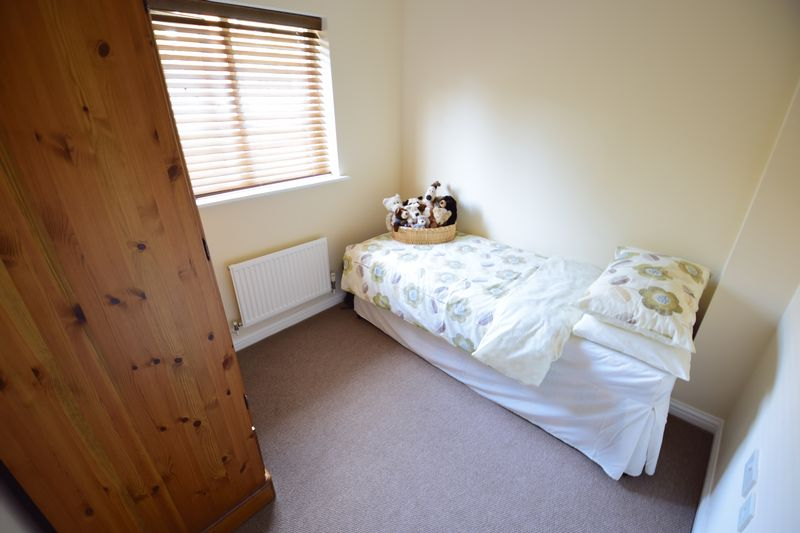 3 bedroom End Terrace to buy in Dunraven Avenue, Luton - Photo 10