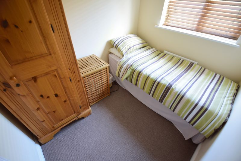 3 bedroom End Terrace to buy in Dunraven Avenue, Luton - Photo 11