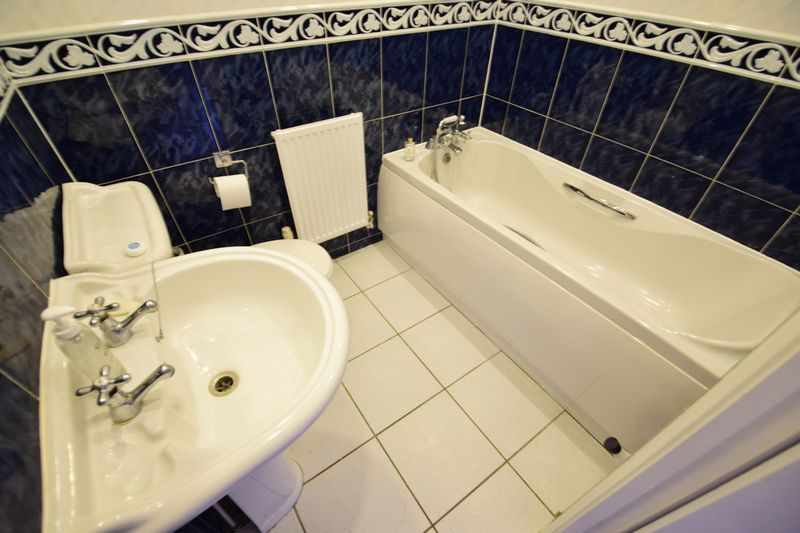 3 bedroom End Terrace to buy in Dunraven Avenue, Luton - Photo 12