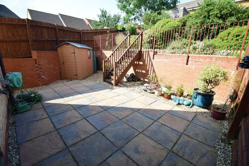 3 bedroom End Terrace to buy in Dunraven Avenue, Luton - Photo 13