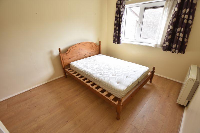 1 bedroom Apartment / Studio to rent in Dumfries Street, Luton - Photo 4