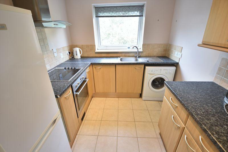 1 bedroom Apartment / Studio to rent in Dumfries Street, Luton - Photo 9