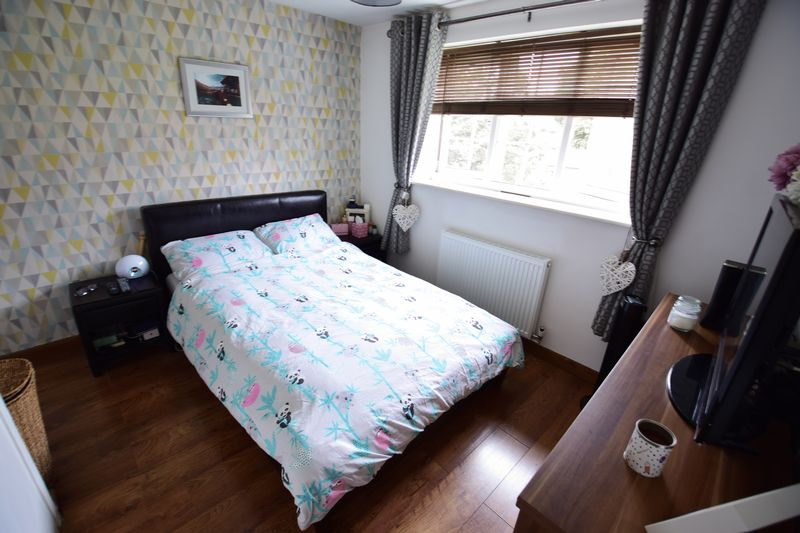 2 bedroom End Terrace to buy in Cheslyn Close, Luton - Photo 6