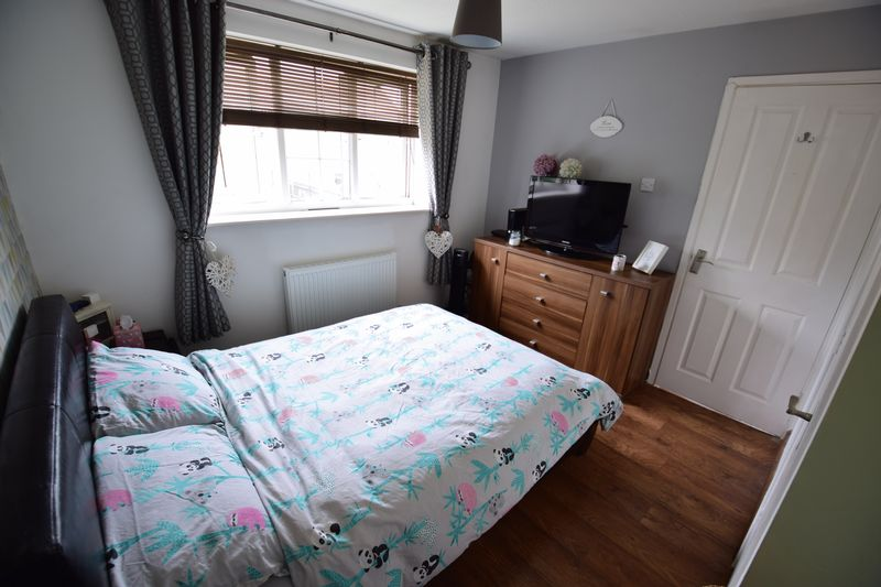 2 bedroom End Terrace to buy in Cheslyn Close, Luton - Photo 7
