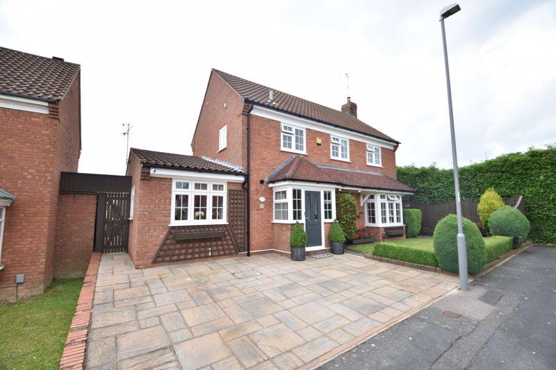 4 bedroom  to buy in Blakeney Drive, Luton