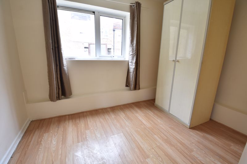 3 bedroom Apartment / Studio to buy in Butterworth Path, Luton - Photo 1