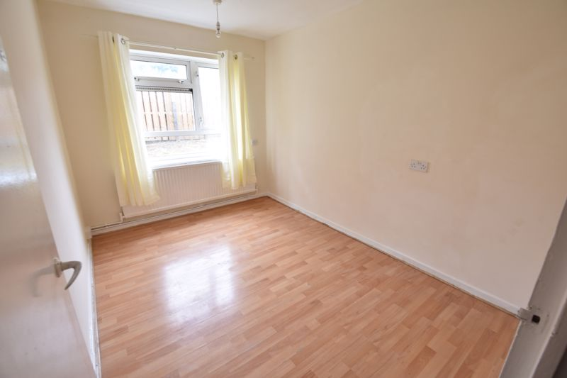 3 bedroom Apartment / Studio to buy in Butterworth Path, Luton - Photo 6