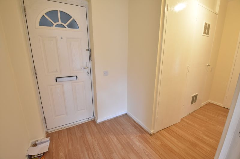 3 bedroom Apartment / Studio to buy in Butterworth Path, Luton - Photo 7