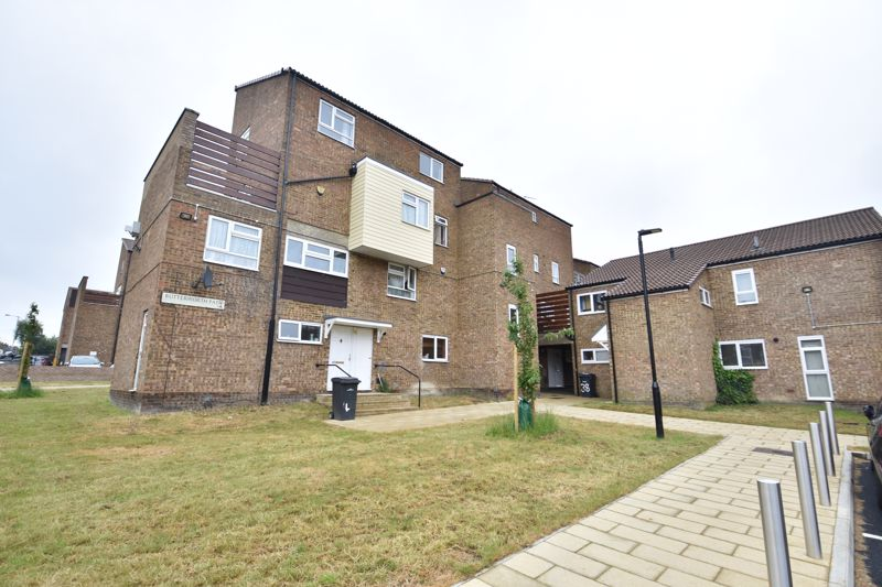 3 bedroom Apartment / Studio to buy in Butterworth Path, Luton - Photo 9