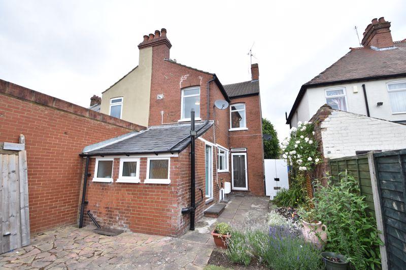 3 bedroom  to buy in Limbury Road, Luton - Photo 1