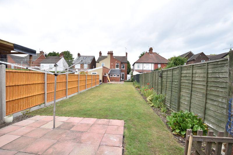 3 bedroom  to buy in Limbury Road, Luton - Photo 2