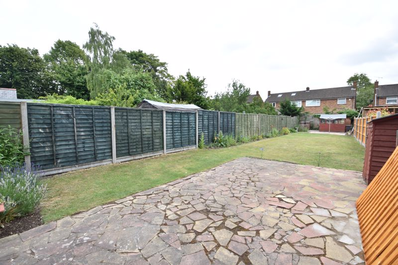 3 bedroom  to buy in Limbury Road, Luton - Photo 4