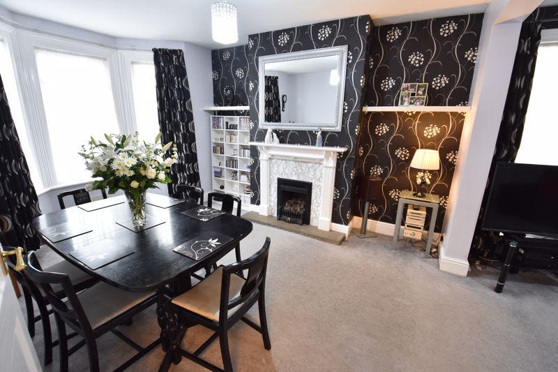 3 bedroom  to buy in Limbury Road, Luton - Photo 13