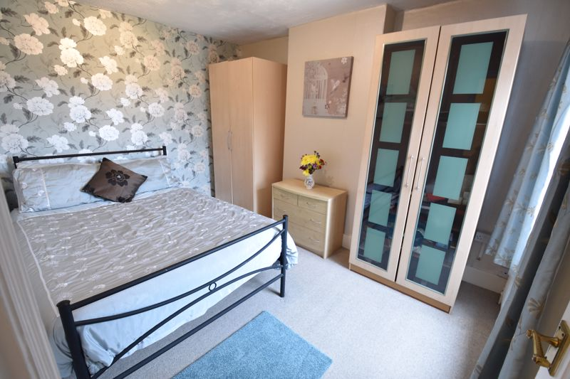 3 bedroom  to buy in Limbury Road, Luton - Photo 15